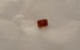 Diamante 1.16ct natural fancy vivid yellowish orange